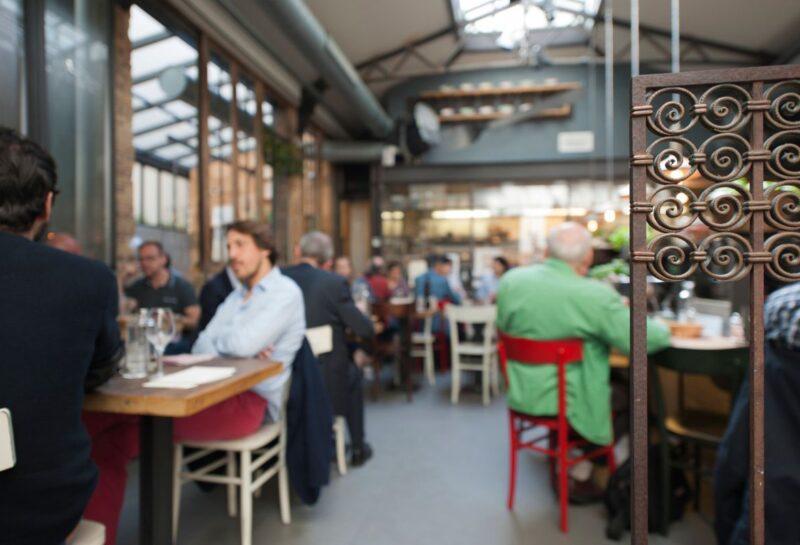 L'ambiance dans le restaurant les Amis des Messina Paris rue de réaumur